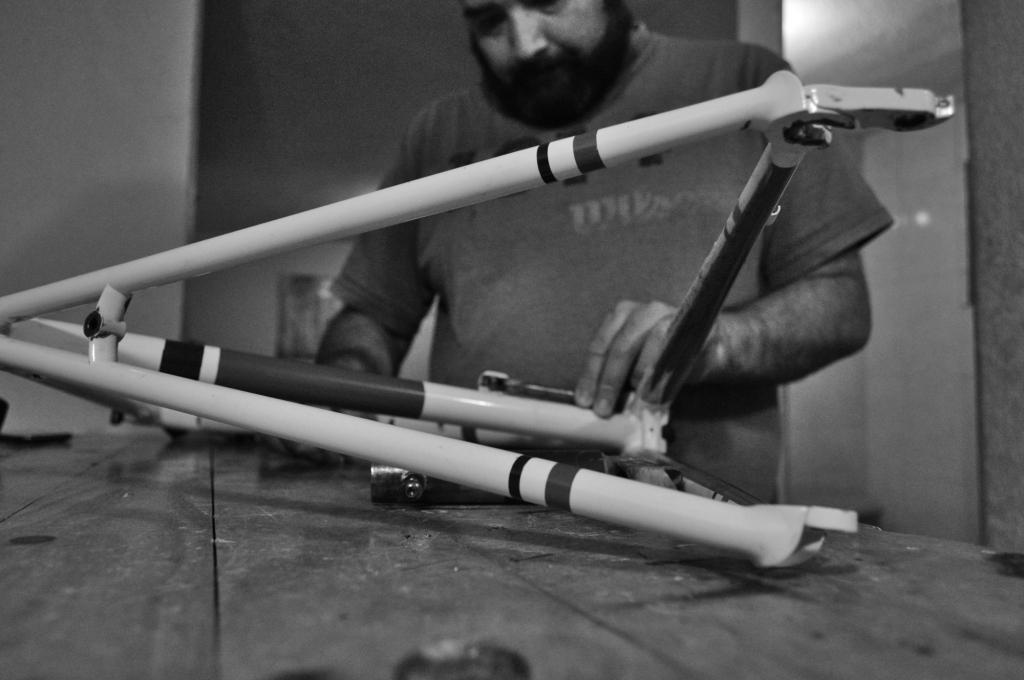 Cada detalle cuenta para la fabricación de bicicletas hechas a mano